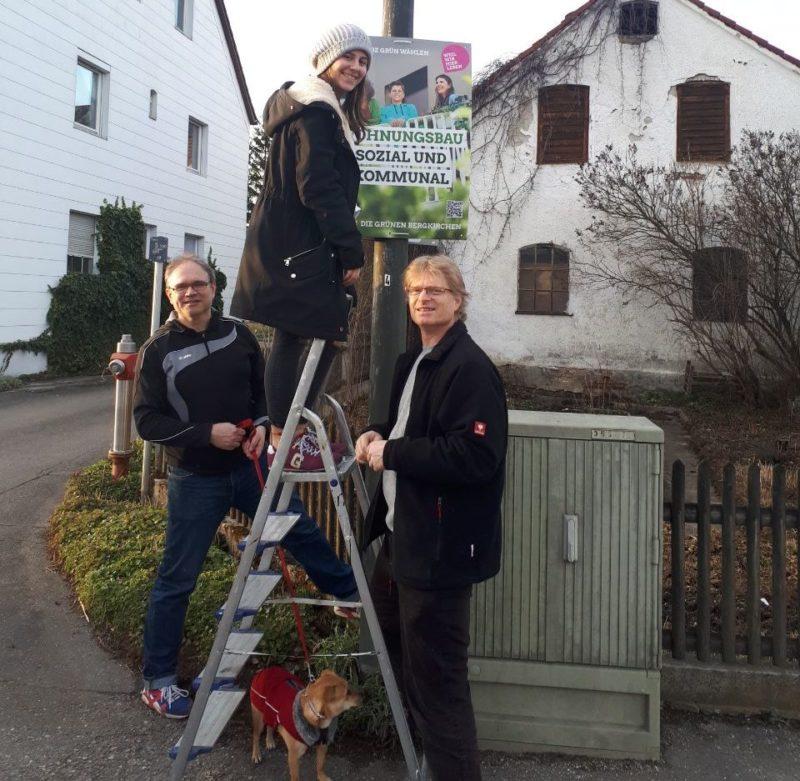 Grüne Bergkirchen Plakate